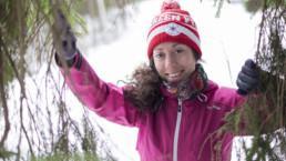 Suunnistaja Venla Harju kuvattuna Niihamaan metsässä. Kuva: Rami marjamäki.