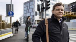 Finnparkin toimitusjohtaja Antti Marttila kuvattuna Sorin sillalla.